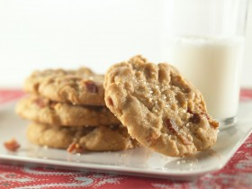 Bacon & Peanut Butter Cookies